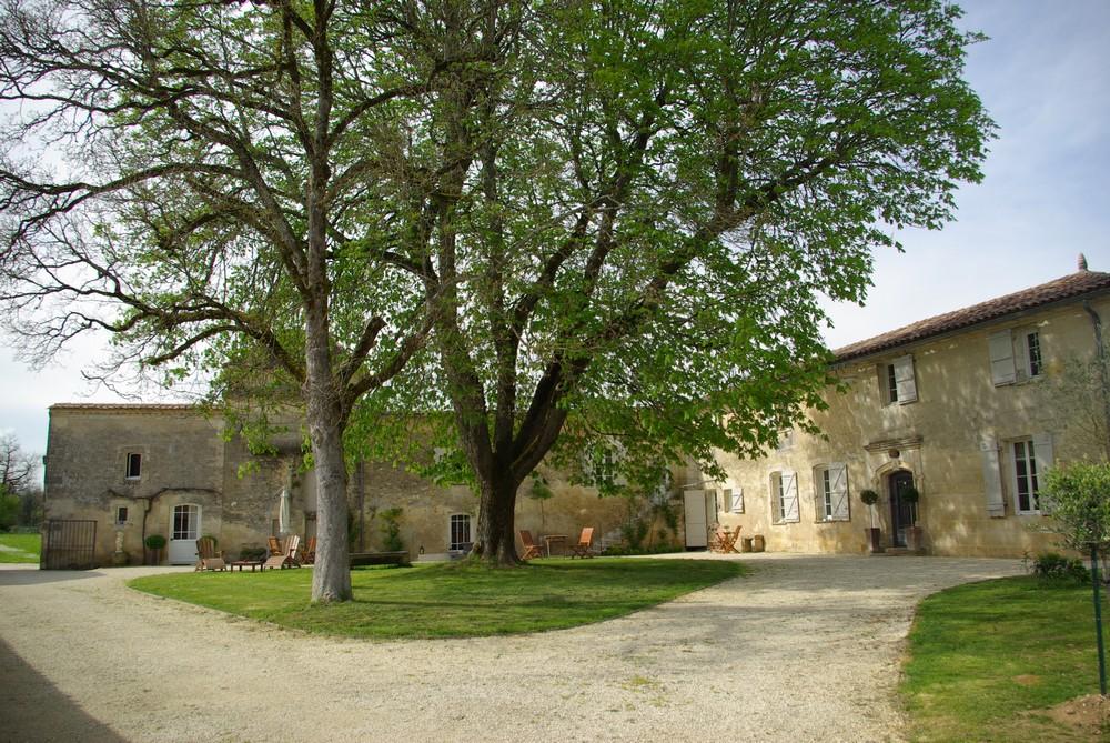 Entre deux mers propri t viticole vignes vendre en france for Acheter maison france voisine